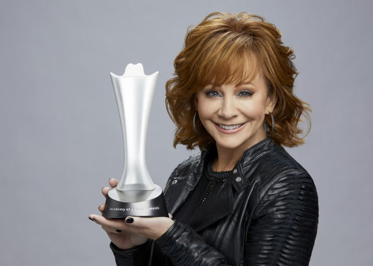 Reba McEntire to Host 54th Academy of Country Music Awards