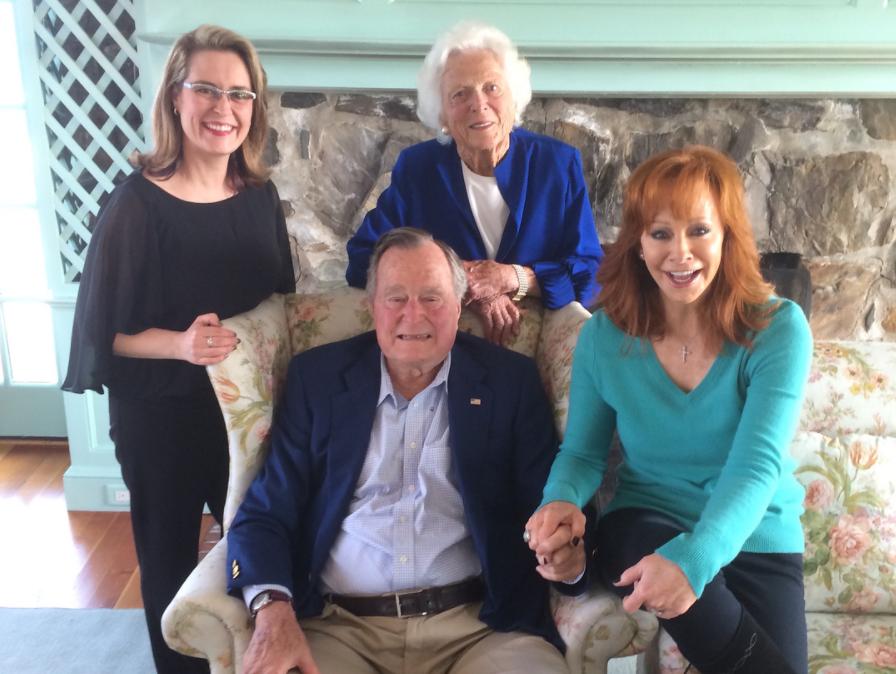 Reba Honors 'One-Of-A-Kind' Barbara Bush