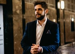 "Thomas Rhett Lights Up the Video for ""Leave Right Now"" Remix"