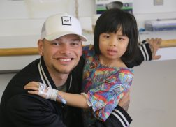 Kane Brown Brightens The Day Of Young Hospital Patients
