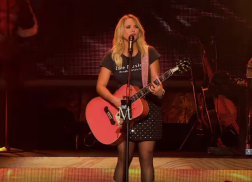 Miranda Lambert Rocks It Out During 'Keeper of the Flame' Video