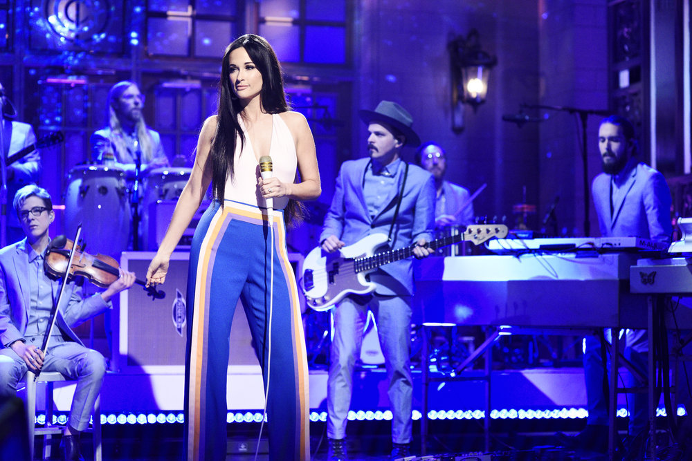 Kacey Musgraves Adds an Element of Sparkle During 'Saturday Night Live' Performance