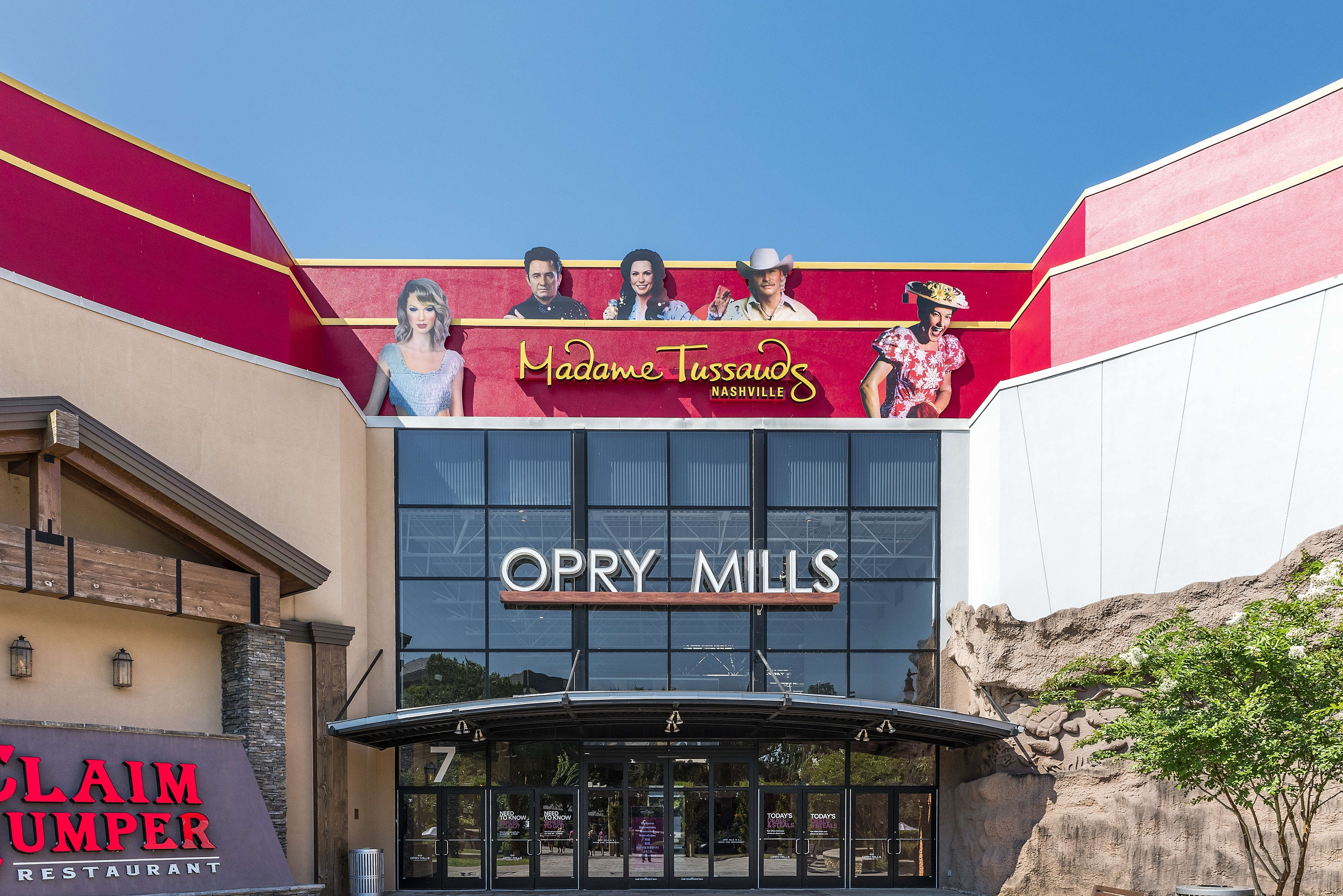 Country Stars React To Shooting At Opry Mills Mall In Nashville Tn