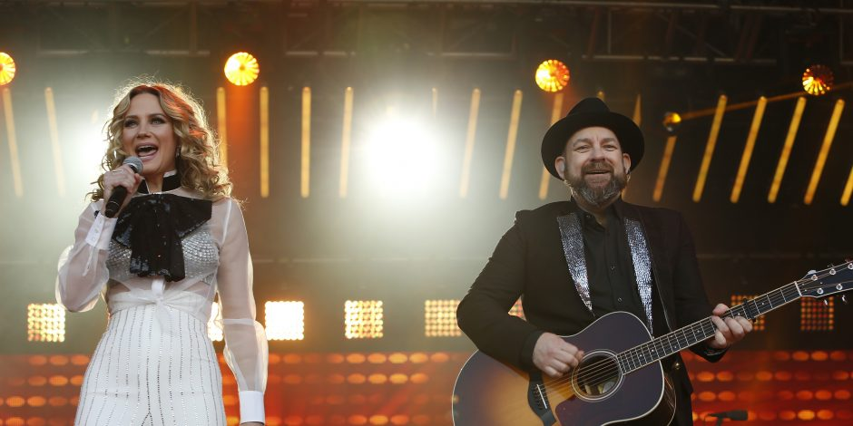 Sugarland Sends Shoutout to Moms By Releasing 'Mother'