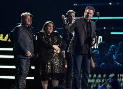 Blake Shelton Claims Male Video of the Year at 2018 CMT Music Awards