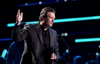 Blake Shelton Wins CMT Video of the Year Award