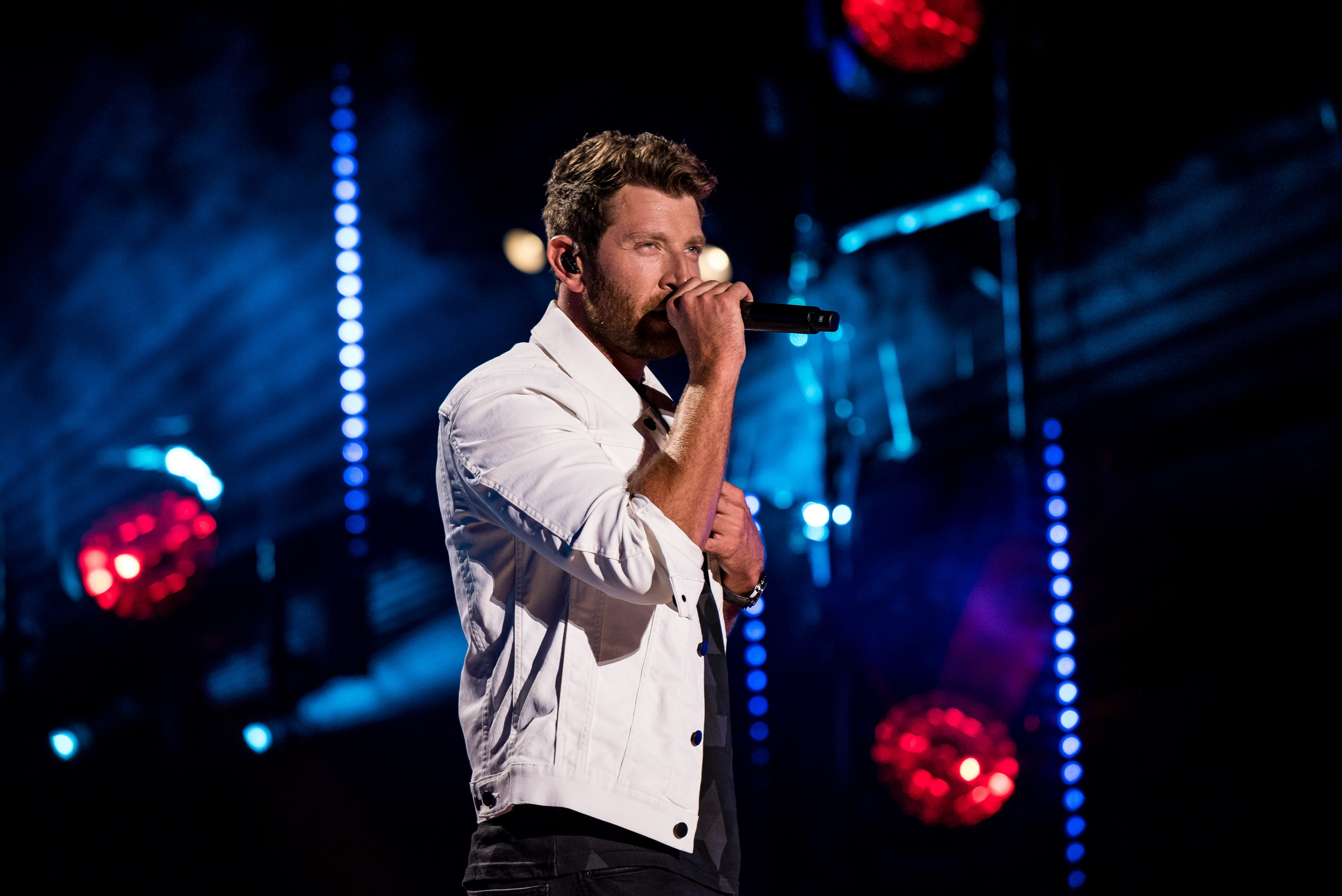 Brett Eldredge is Looking to 'Love Someone' in New Single