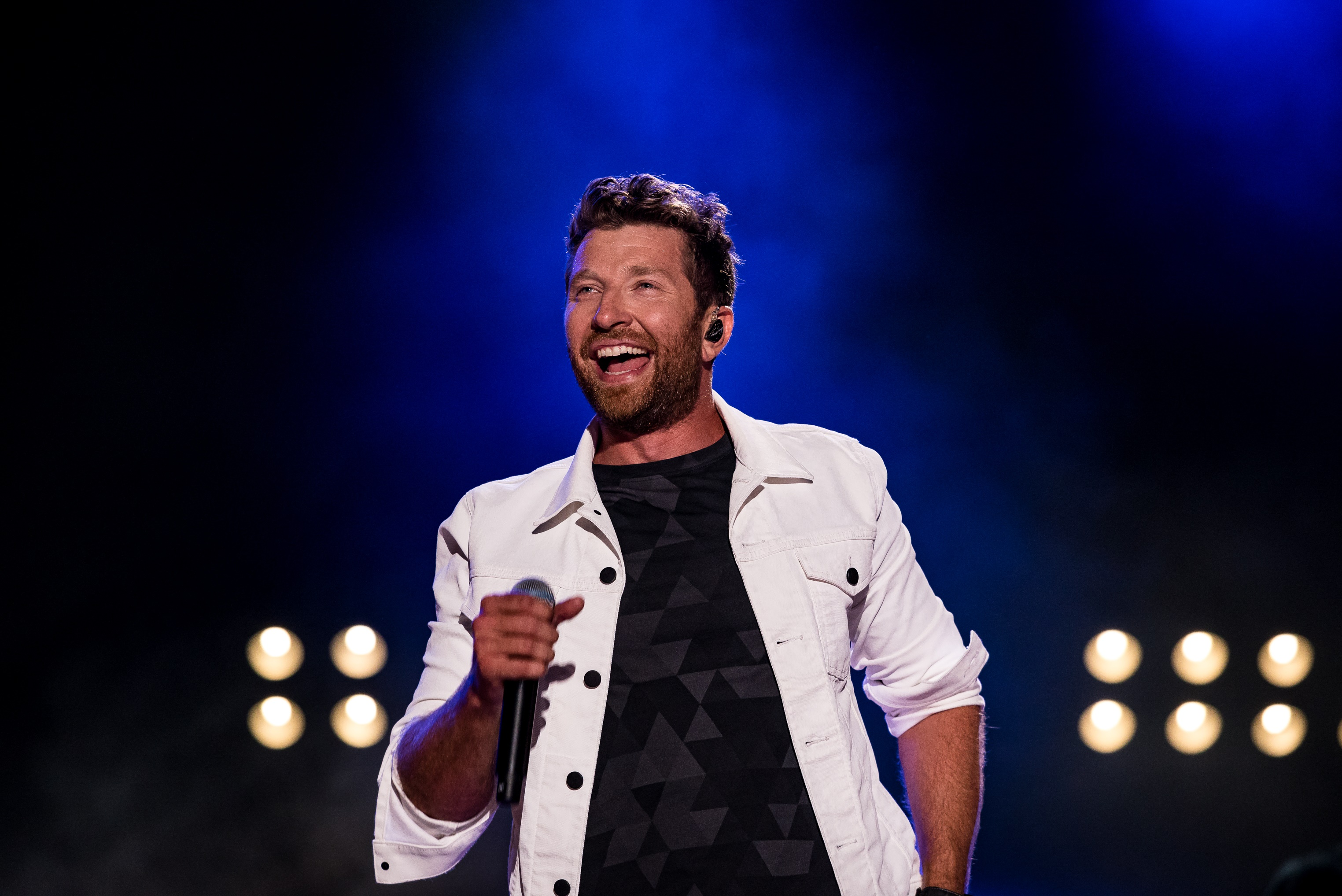 Brett Eldredge Makes Us Swoon with Edgar-Centric 'Love Someone' Video