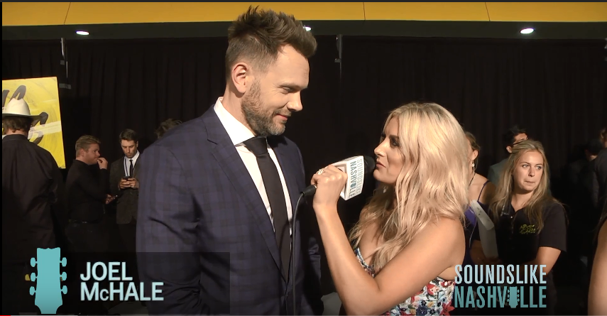 Stephanie Quayle Lays on the Laughs on the 2018 CMT Music Awards Gray Carpet