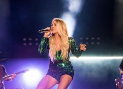 Carrie Underwood Steals the Show at 2018 CMA Fest Night 2