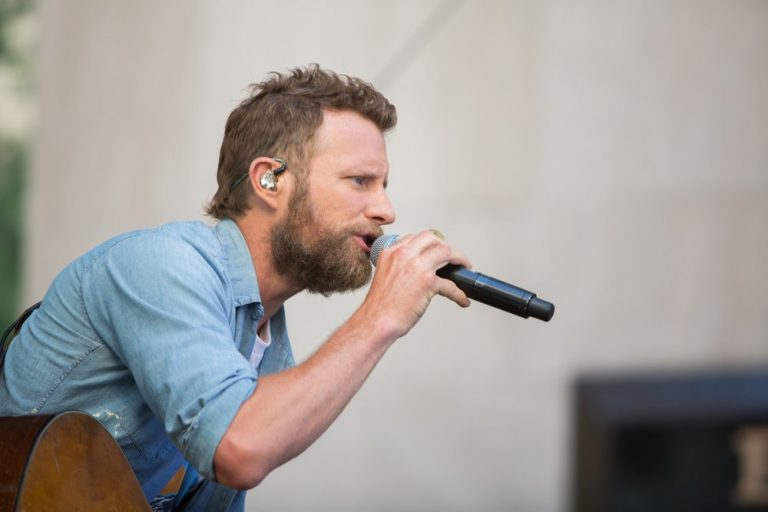 Dierks Bentley Sets Course For 2019 'Burning Man Tour'