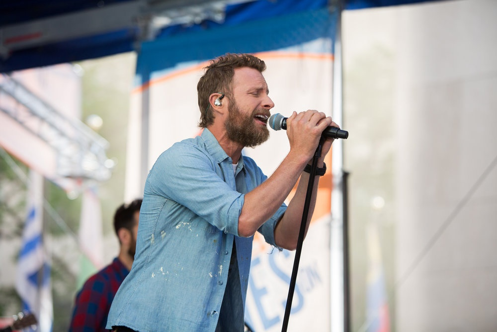 Dierks Bentley Tries to 'Keep It Weird' When It Comes to His Backstage Atmosphere