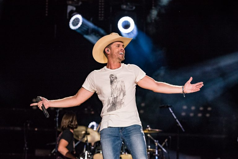Dustin Lynch Is Looking Forward to a 'Big Year' in 2019