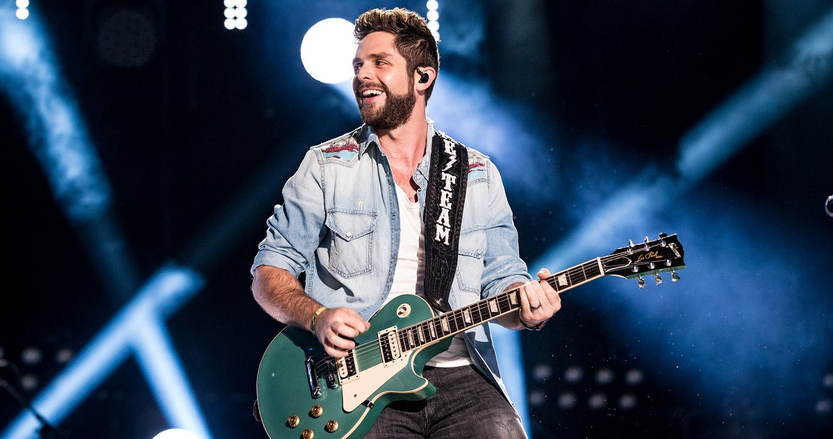 thomas rhett scores 11th no 1 with 39 life changes 39 announces deluxe album sounds like nashville. Black Bedroom Furniture Sets. Home Design Ideas