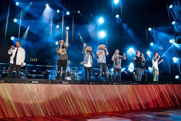 Backstreet Boys, Dwight Yoakam & More Surprise Fans at 2018 CMA Fest Night 4