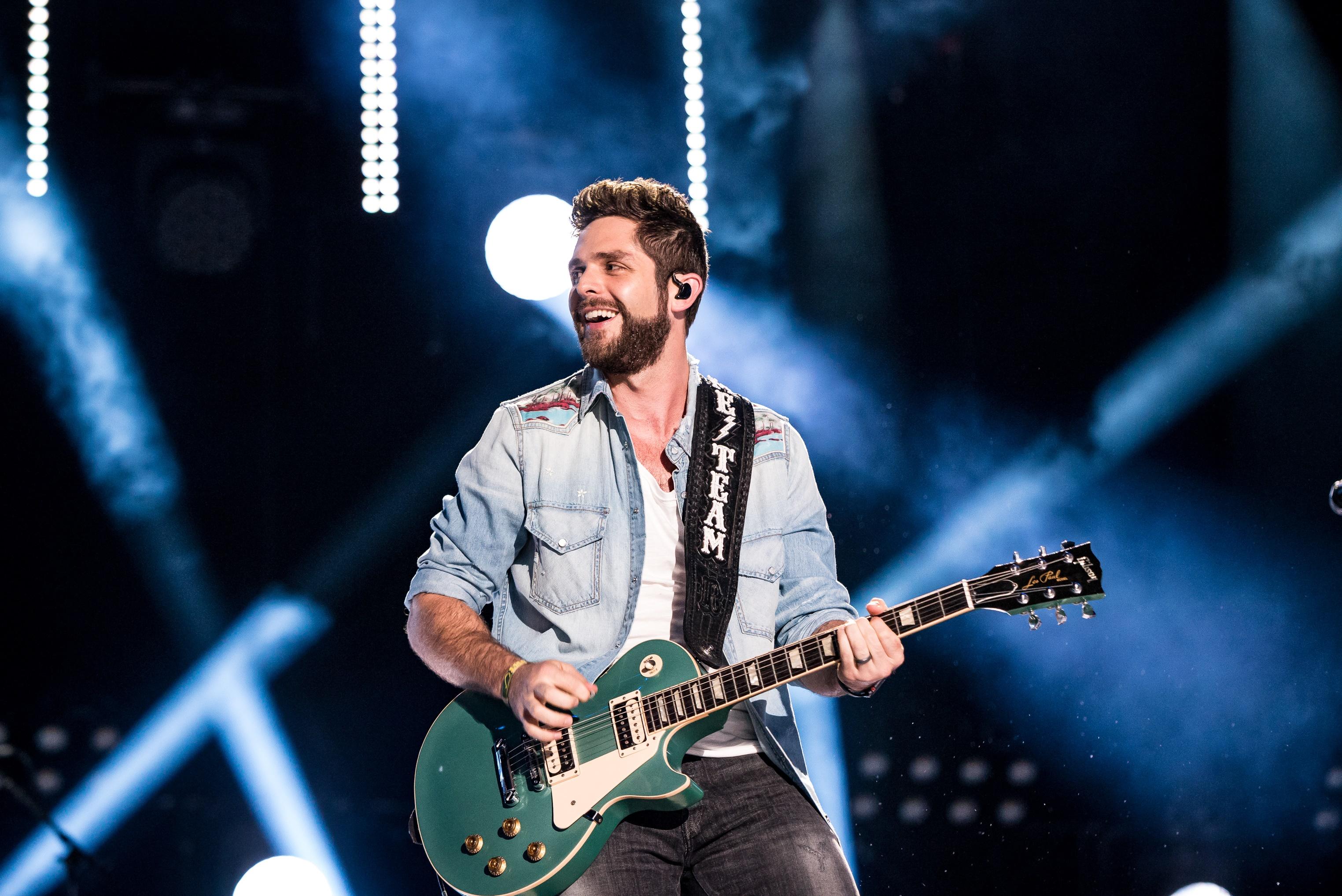 Thomas Rhett Scores 11th No 1 with 'Life Changes,' Announces