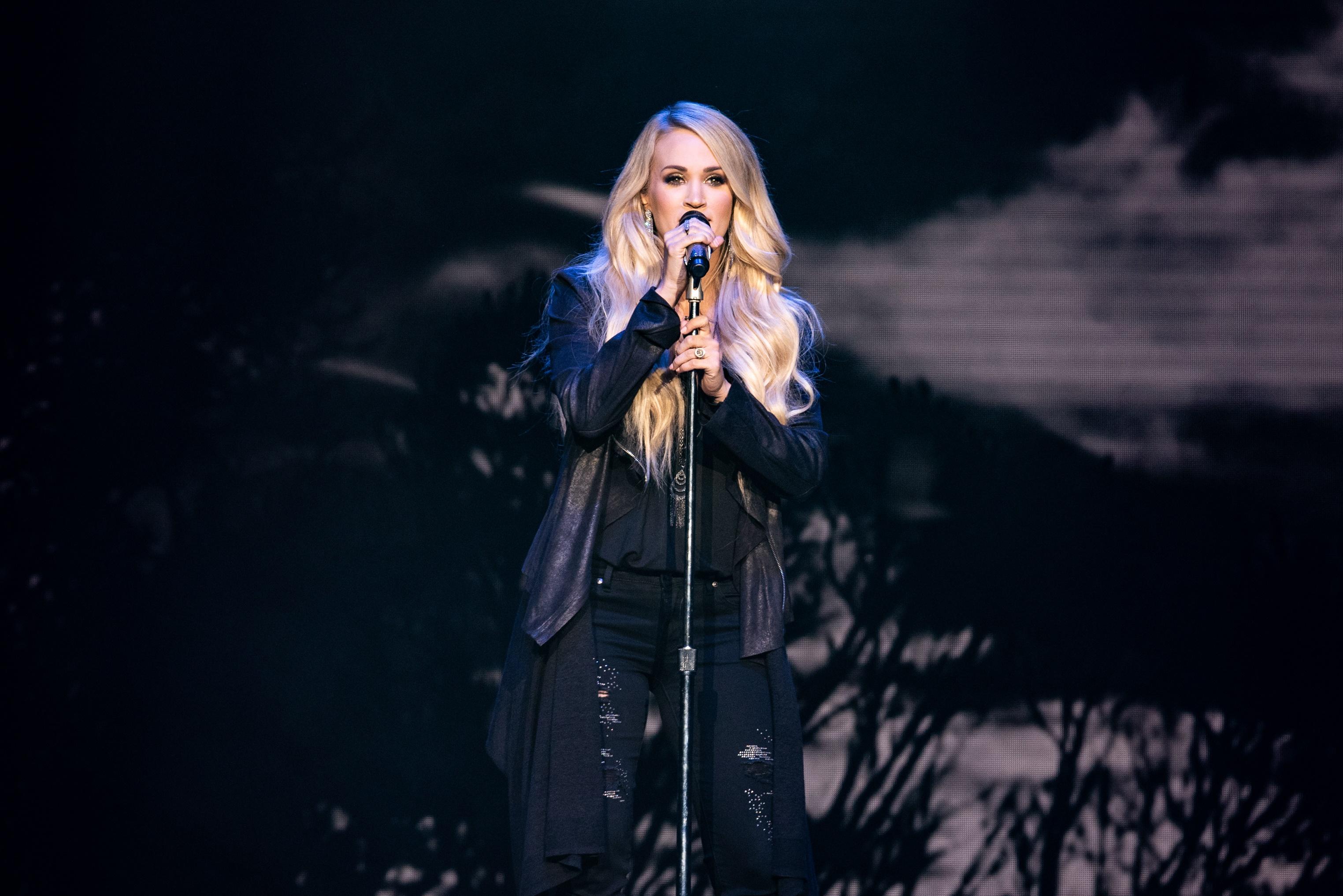Carrie Underwood Dazzles During Atlantic City Concert
