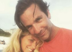 'Strawberry Wine' Singer Deana Carter and Jim McPhail Exchange Vows in Florida