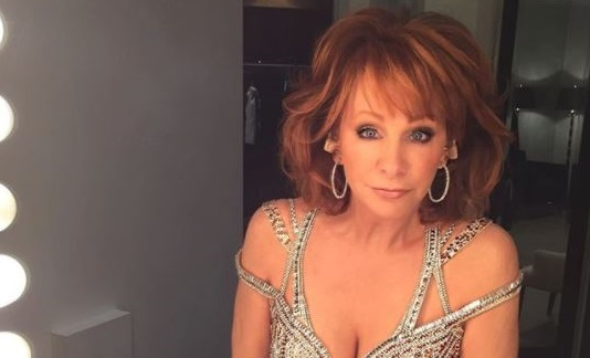 Reba Mcentire Christmas Guest.Seven Times Reba Mcentire Got Fancy With Fashion Sounds