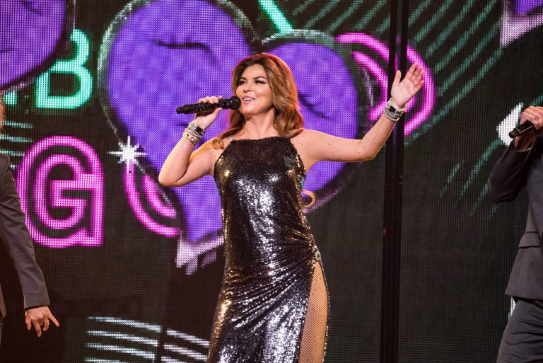 Shania Twain Sparkles and Shines on 'Shania Now Tour'