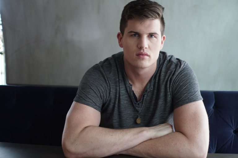 Raleigh Keegan Plans a Charming Date Night in Debut Video, 'Lookin' Like That'