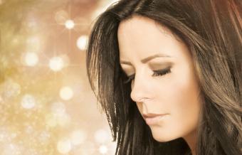 Light Up The Holidays at Sara Evens' Christmas Tour