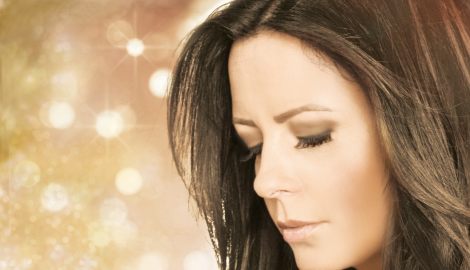 Sara Evans to Light Up Holiday Season With At Christmas Tour 2018