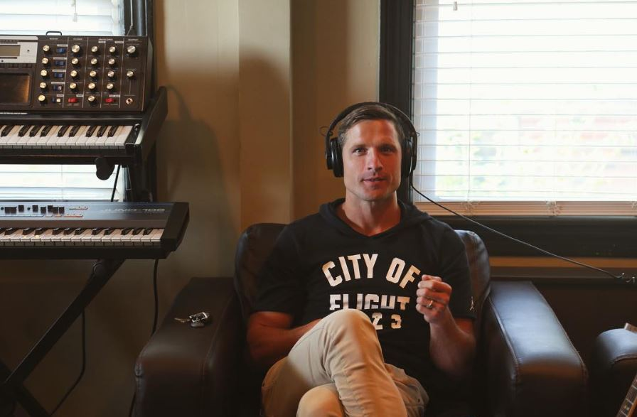 What is Walker Hayes Up To?