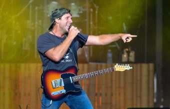 Billy Currington Debuts New Music with 'Bring It On Back'