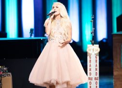 Carrie Underwood to Flip The Switch During Opry Goes Pink Show