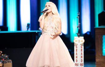 Carrie Underwood Flips The Switch in Opry Goes Pink