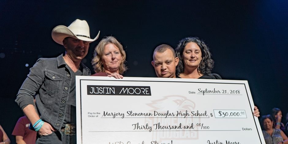 Justin Moore Donates $30,000 to Parkland's MSD Fund