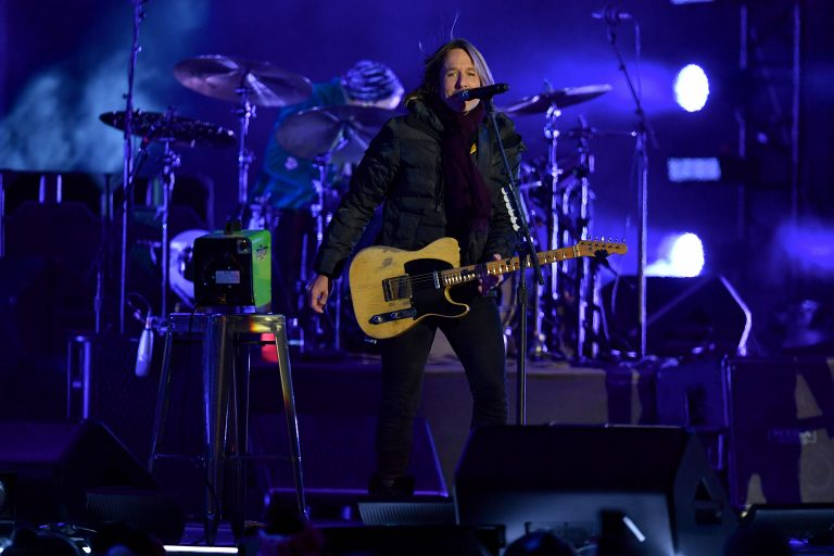 Keith Urban to Headline Nashville's New Year's Eve Celebration