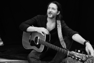 Matthew Perryman Jones Exclusive Album Premiere <em>The Waking Hours</em>