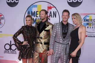 Country Stars Go Glam for the 2018 AMAs Red Carpet