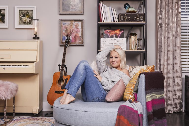 RaeLynn on Her Love of HomeGoods: 'I Got it From My Mama'