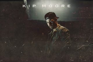 Kip Moore Answers Fans with Acoustic Record <em>Room to Spare</em> EP