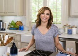 Martina McBride is Heading to Food Network With <em>Martina&#8217;s Table</em>