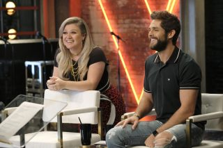 Thomas Rhett, Keith Urban Advise <em>The Voice</em> Battle Round