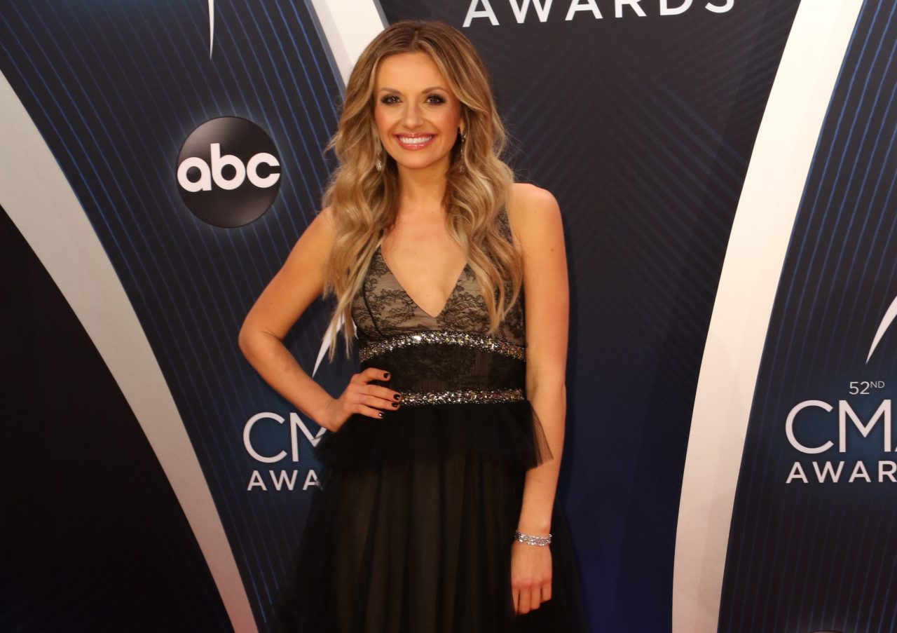 Carly Pearce is Bringing the Macy's Thanksgiving Parade 'Closer To You'