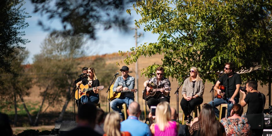 6 Memorable Moments From Live in the Vineyard
