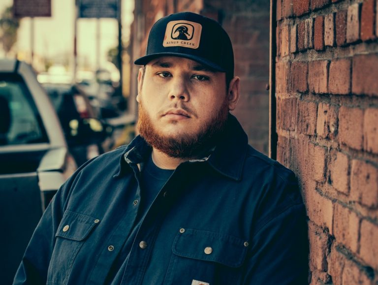 2019 Crash My Playa Adds Luke Combs As Headliner