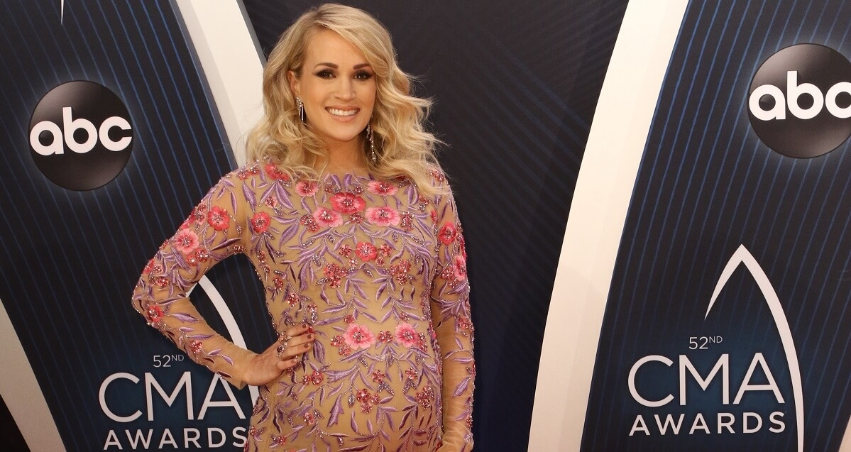 Carrie Underwood Shares Pregnancy Pics As She Prepares For