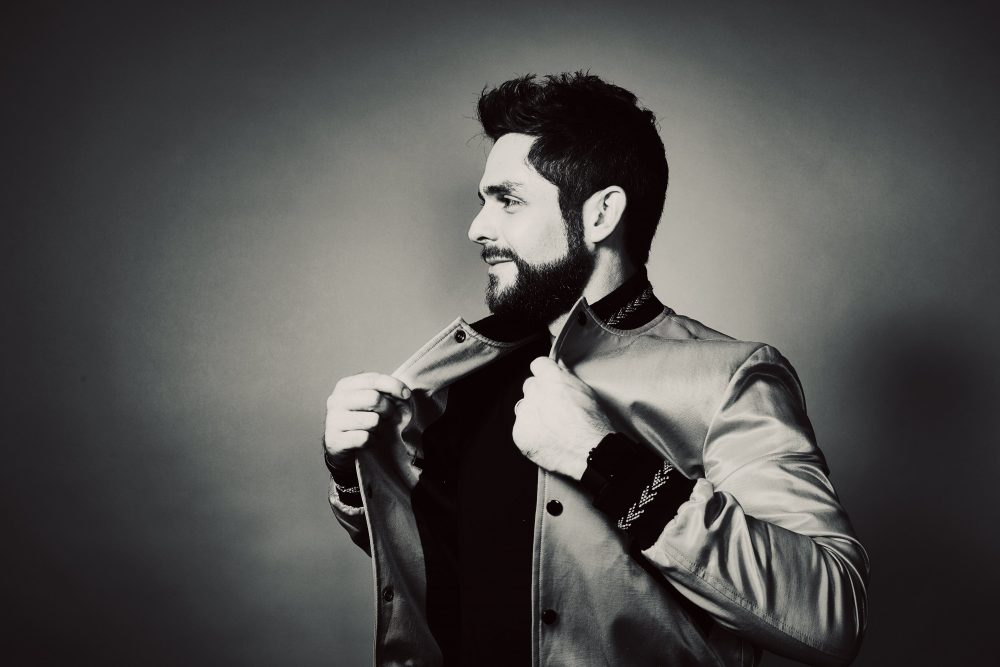 Thomas Rhett Scores 12th No.1 With 'Sixteen'