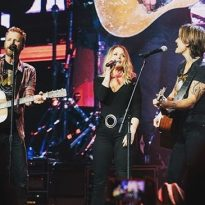 Miranda Lambert, Keith Urban Surprise Fans at Dierks Bentley's Nashville Concert