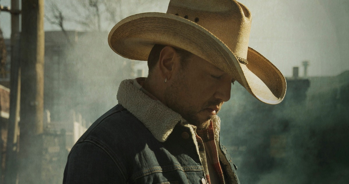 Jason Aldean Pushes Forward With New Single, 'Rearview Town'