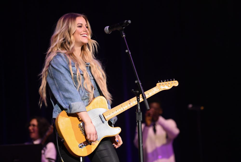 Lindsay Ell Will Undergo Surgery to Remove Pre-Cancerous Cells