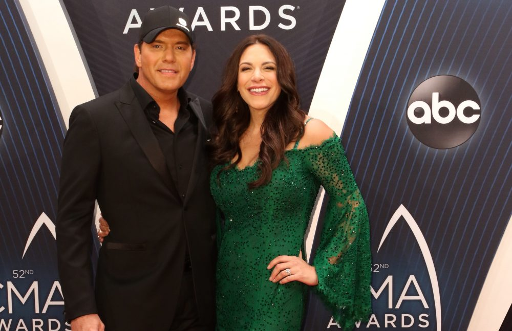Rodney Atkins Gets Bamboozled by Gender Reveal of Third Child