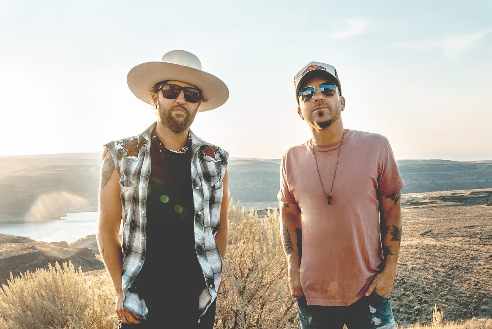 Album Review: LOCASH's 'Brothers'