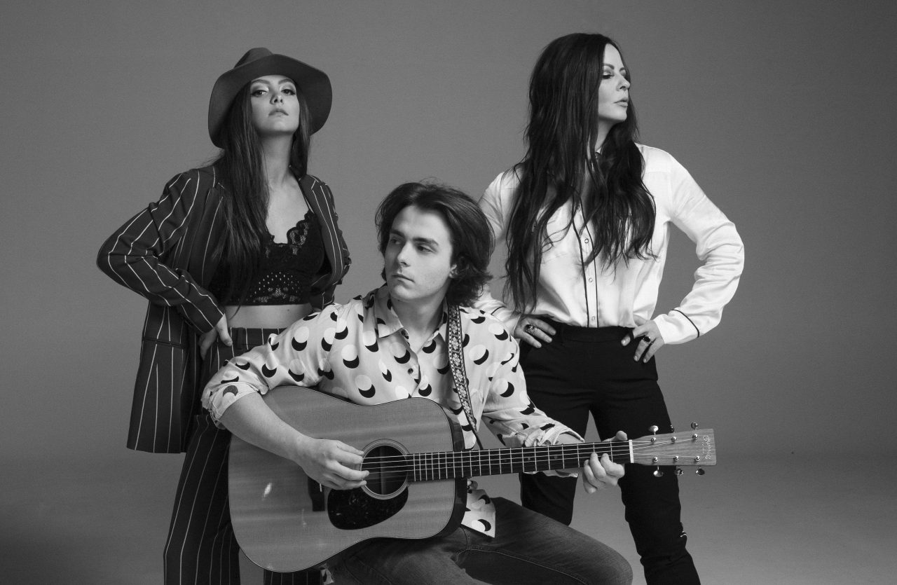 Sara Evans Serves Country Family Style on New Side Project The Barker Family Band